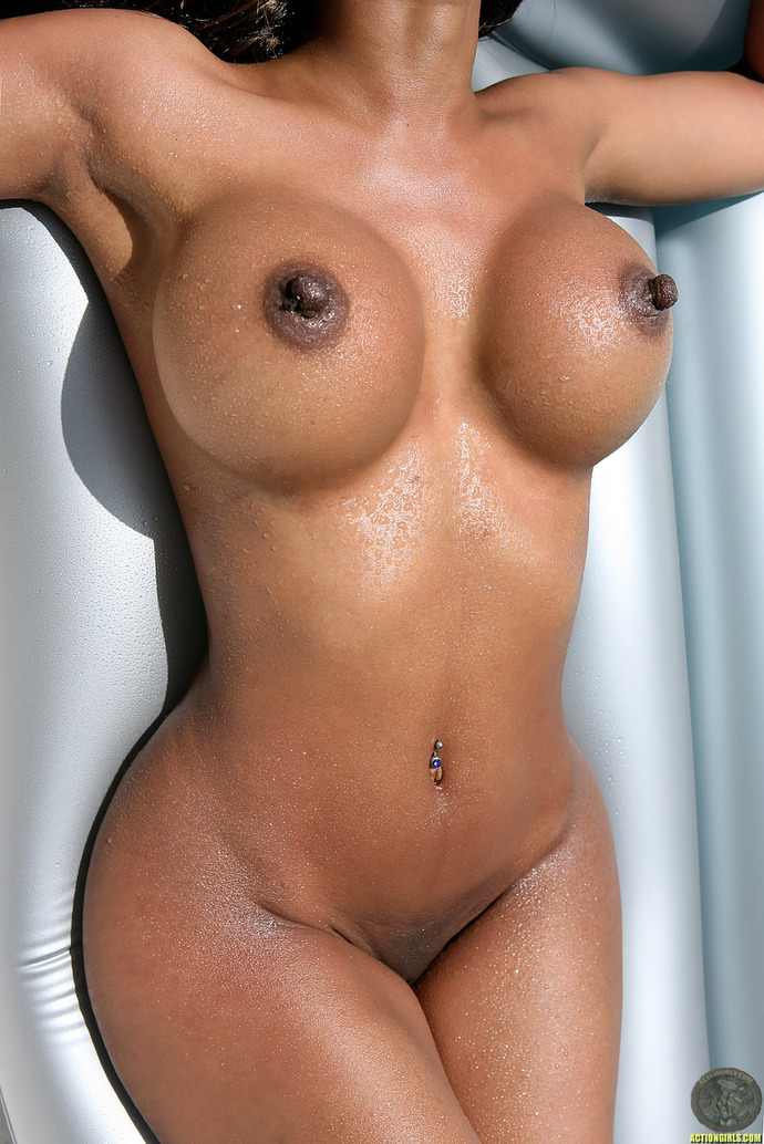 фото голые девушки с большими сосками
