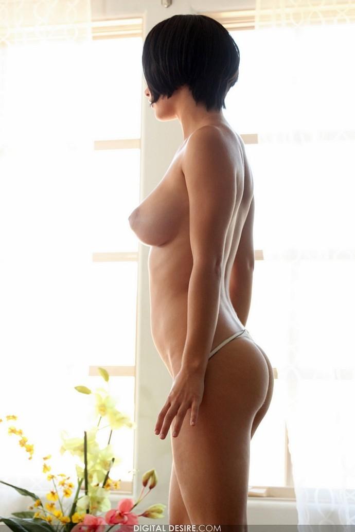 голые девушки с короткими стрижами фото