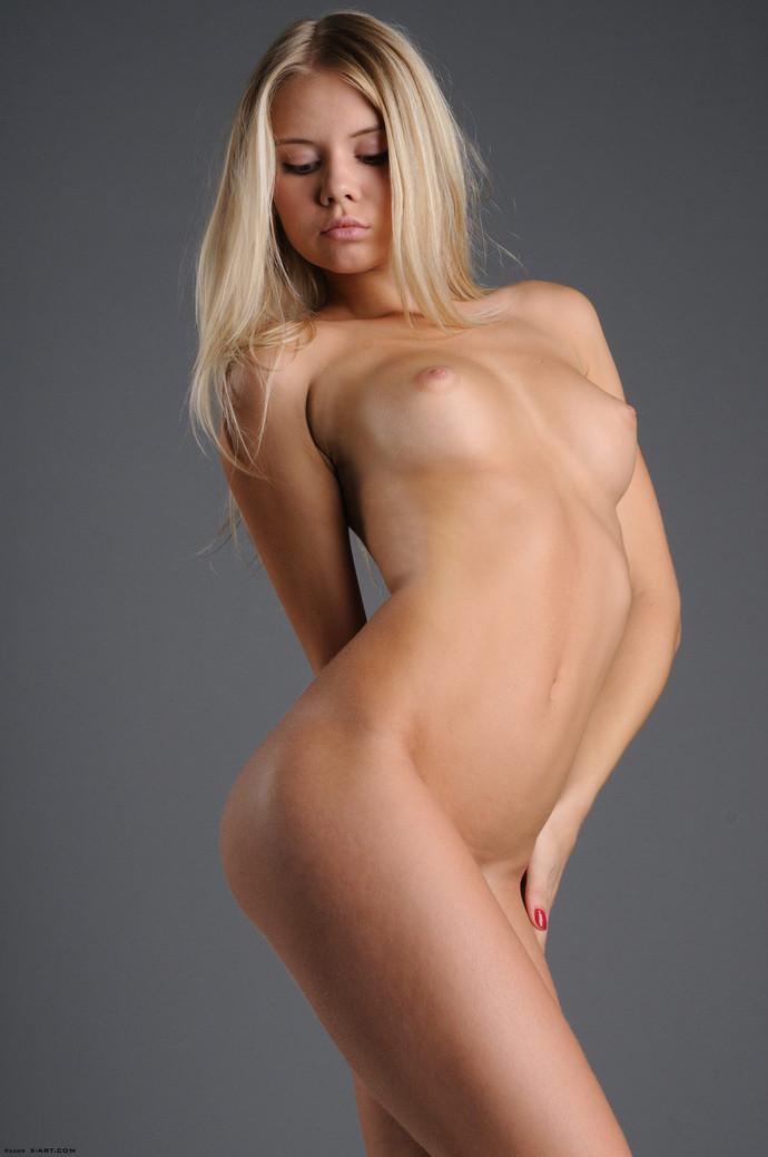 фото красивая голая блондинка