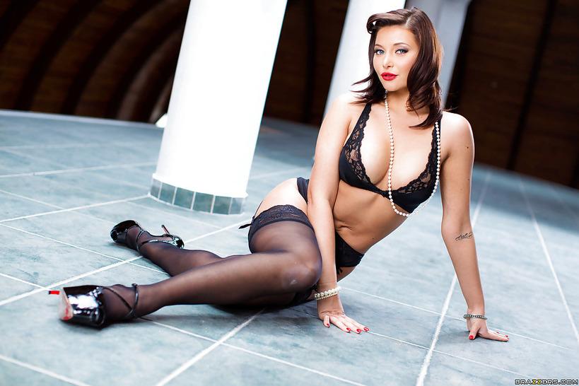 Anna Polina In Black Lingerie Videobox 1